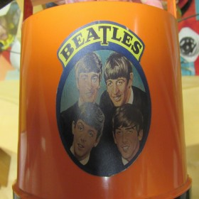 "Beatles Record Holder 7"""